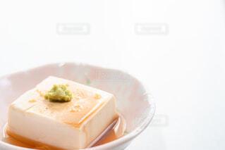 醤油をかけた湯豆腐の写真・画像素材[4229481]