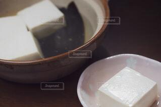 土鍋で調理した湯豆腐 アップの写真・画像素材[4229745]