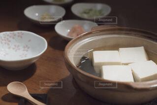 土鍋で調理した湯豆腐の写真・画像素材[4229746]