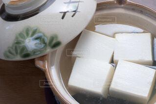土鍋で調理した湯豆腐の写真・画像素材[4229747]