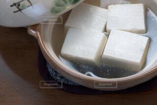 土鍋に入った湯豆腐の写真・画像素材[4229749]