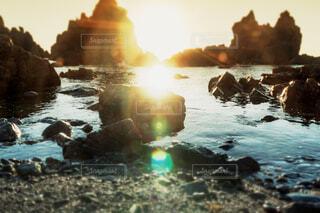 日本海に沈む夕日の写真・画像素材[4255777]