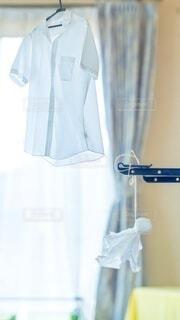 Yシャツとてるてる坊主の写真・画像素材[4638114]