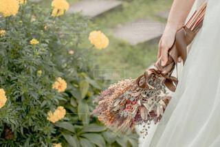 花束と花嫁の写真・画像素材[4219930]