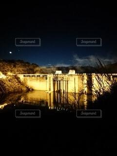 ライトアップダムの写真・画像素材[4303343]