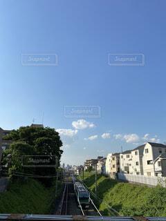 空,建物,屋外,雲,家,樹木
