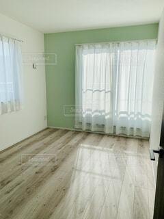 アクセントカラーがある部屋の写真・画像素材[4259209]