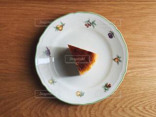 食べ物,スイーツ,カフェ,ケーキ,デザート,フォーク,テーブル,皿,リラックス,チーズ,おうちカフェ,ドリンク,チーズケーキ,おうち,菓子,ライフスタイル,自家製,おうち時間
