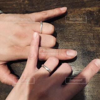 娘が4歳の時に作ってくれた2代目の結婚指輪の写真・画像素材[4391569]