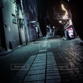 一本裏の道の写真・画像素材[4244206]
