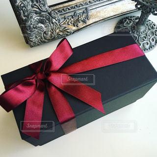 赤,プレゼント,リボン,お祝い,サプライズ,ギフト,ラグジュアリー