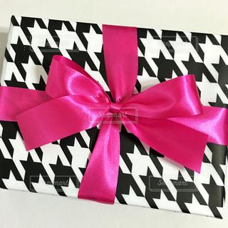 ピンク,かわいい,モノクロ,DIY,プレゼント,リボン,ハンドメイド,ギフト,ラッピング,ギフトボックス,千鳥格子