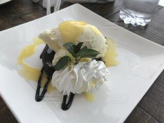 オシャレなアイスクリームの写真・画像素材[3677958]