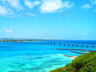 宮古島の来間大橋の写真・画像素材[903816]
