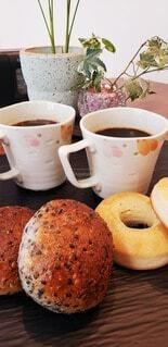 食べ物,カフェ,コーヒー,リラックス,カップ,おうちカフェ,ドーナツ,ドリンク,おうち,ライフスタイル,おうち時間