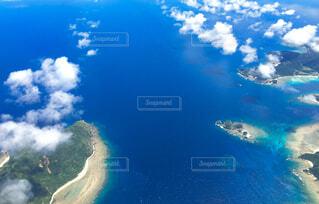 自然,海,南国,ビーチ,雲,島,青,水面,葉,スカイブルー,マリンブルー,空中,地図,海色,空からの海