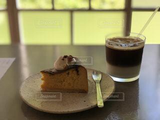 食べ物,ケーキ,コーヒー,屋内,デザート,テーブル,オシャレ,カップ,アイスクリーム,カフェラテ,おいしい,cafe,ドリンク,チーズケーキ,菓子,オシャレカフェ