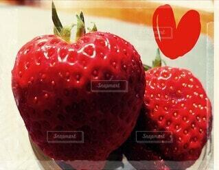 食べ物,自然,赤,いちご,苺,フルーツ,果物,ハート,ベリー,イチゴ