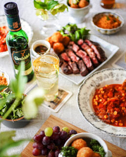 食べ物,風景,テーブル,果物,野菜,皿,ボトル,ドリンク,サントリー,ファストフード,ハイボール,ボウル,ソフトド リンク,ちょっとしたご褒美,ウイスキーがお好きでしょ