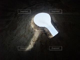 上から差し込む光の写真・画像素材[4416952]