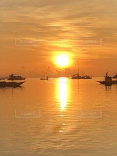 空,屋外,太陽,ボート,船,水面,朝焼け,日の出,リゾート,車両,水上バイク