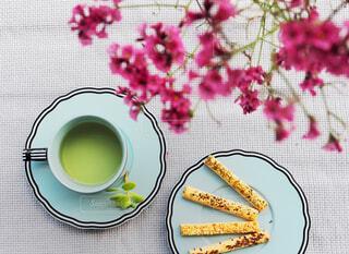 カフェ,花,ドライフラワー,リラックス,食器,おうちカフェ,ドリンク,おうち,ライフスタイル,おうち時間