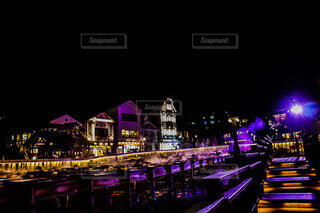 風景,空,建物,温泉,夜,夜景,屋外,紫,暗い,美しい,ライトアップ,明るい,草津,街路灯