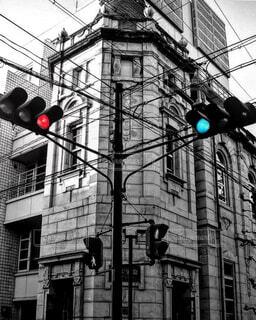 風景,空,建物,屋外,京都,モノクロ,窓,景色,レトロ,都会,信号,明るい,通り,町並み,交通,景観,雑然,テキスト,街路灯,トラフィック ライト,黒と白