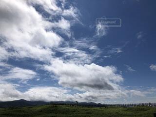 自然,風景,空,屋外,雲,青空,北海道,景色,草,広い,くもり
