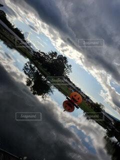 空,屋外,雲,水面,反射,樹木