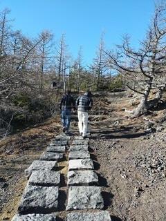 富士山,屋外,岩,人物,人,地面,ハイキング,履物