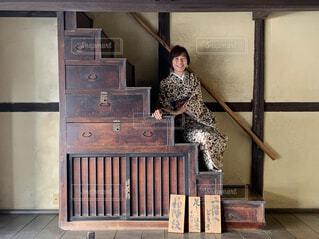 階段箪笥からこんにちは!の写真・画像素材[4316773]