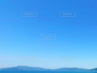 自然,海,空,屋外,青空,晴天,島,青,水面,山,瀬戸内海,6月,広島,快晴,遠景,雲ひとつない空,blue sky,sunny,雲ひとつない青空,梅雨の晴れ間,晴れ渡る,Seto inland sea,clear day