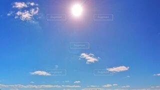 自然,空,秋,屋外,太陽,雲,晴れ,青空,青い空,日光,日差し,光,日の光,逆光,眩しい,快晴,Autumn,天気,ブルースカイ,blue sky,10月,日中,天高く馬肥ゆる秋