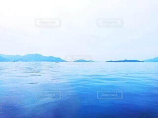 自然,風景,海,空,春,屋外,ビーチ,静か,島,青,水面,瀬戸内海,広島,遠景,sea,海面,船上,瀬戸内,穏やか,船旅,凪,Calm,Seto inland sea,湖のような