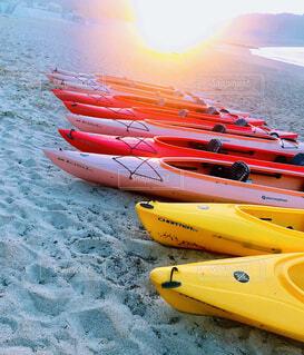 早朝のビーチの写真・画像素材[4391400]