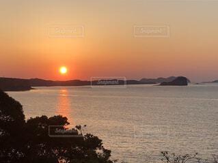 自然,風景,海,空,夕日,屋外,太陽,夕焼け,夕暮れ,水面,茜空