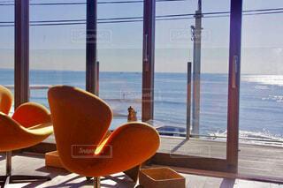 カフェ,海,夏,屋内,ビーチ,窓,椅子,テーブル,家具,夏休み,bills,湘南,ドライブ,GW
