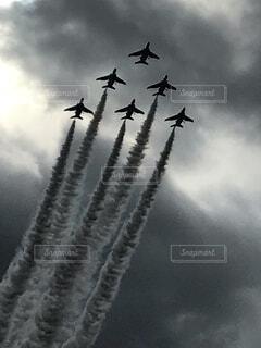 空,屋外,雲,飛行機,飛ぶ,煙,航空機,空気,くもり,フライト,車両,航空ショー