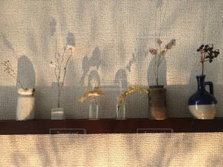 屋内,アート,ドライフラワー,影,壁,一輪挿し