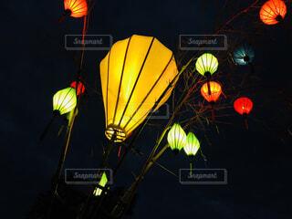 夜景,ランタン,イルミネーション,ライトアップ,ベトナム,明るい