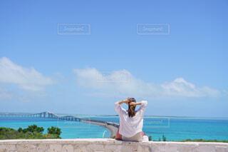 伊良部大橋を眺めながらの写真・画像素材[4467892]