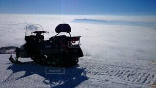 空,雪,屋外,山,雲海,スノーモービル