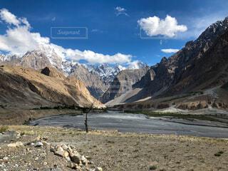 パキスタン カラコルムハイウェイからの風景の写真・画像素材[4381391]