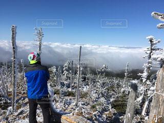 空,雪,屋外,雲,晴れ,山,人物,人,立つ,スキー,雲海,レジャー,ハイキング,ラン,斜面,#自然,トレラン