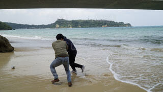 自然,風景,海,空,屋外,ビーチ,波打ち際,波,海岸,人物,人,旅行,青春