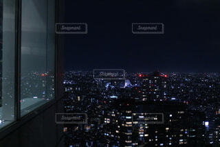 風景,建物,夜,夜景,夜空,ビル,東京,室内,窓,背景,都会,電気,高層ビル,暗闇