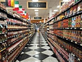 食べ物,ショップ,屋内,海外,棚,ボトル,食品,通路,マーケット,スーパー,小売,商品,ストア,食料品店,ソフトド リンク,スーパー マーケット
