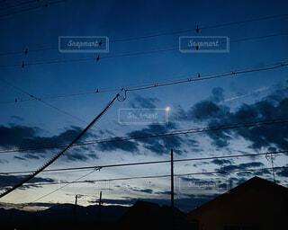 自然,風景,空,雪,屋外,雲,夕焼け,夕方,電線,月,景観,ライン,ワイヤー