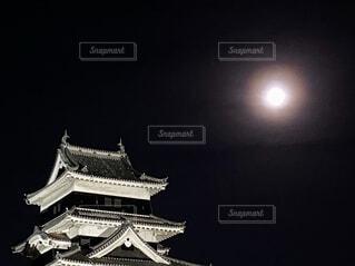 自然,風景,空,夜空,屋外,城,影,タワー,月,ライトアップ
